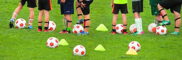Fußballtraining auf dem Sportplatz